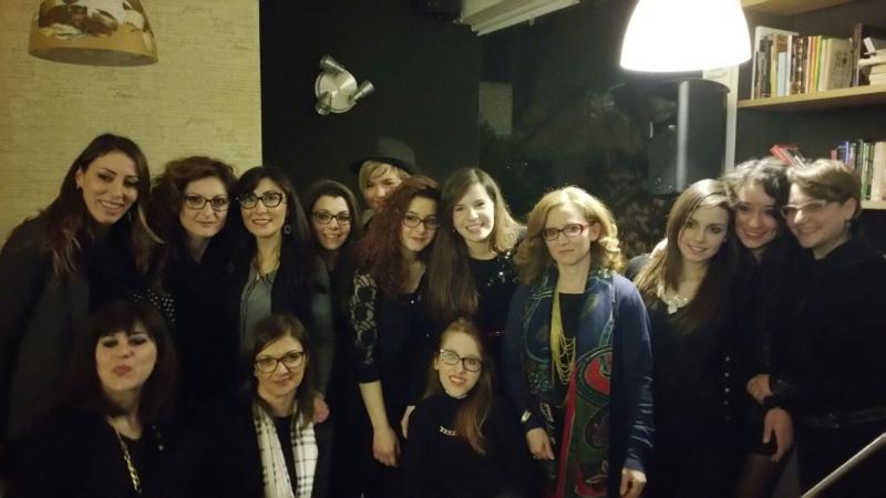 le studentesse che hanno letto dei brani con  l'associazione Donne Insieme