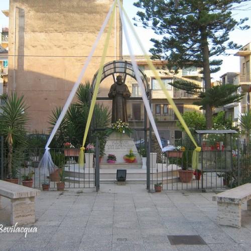 Anche Barrafranca festeggia San Pio da Pietralcina