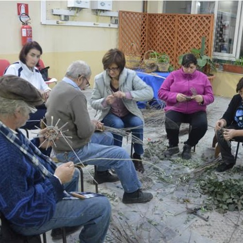 """CORSO DI INTRECCIO CREATIVO organizzato dall'Associazione Culturale """"LiberArte"""" di Barrafranca"""