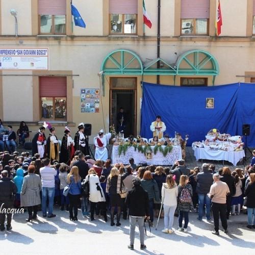 """La tradizione della """"Tavolata di san Giuseppe"""" realizzata dall'Istituto Comprensivo """"S. G. Bosco"""" Barrafranca"""