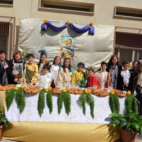 """Il plesso """"G. Verga"""" celebra la festa di san Giuseppe con la tradizionale """"tavolata"""""""