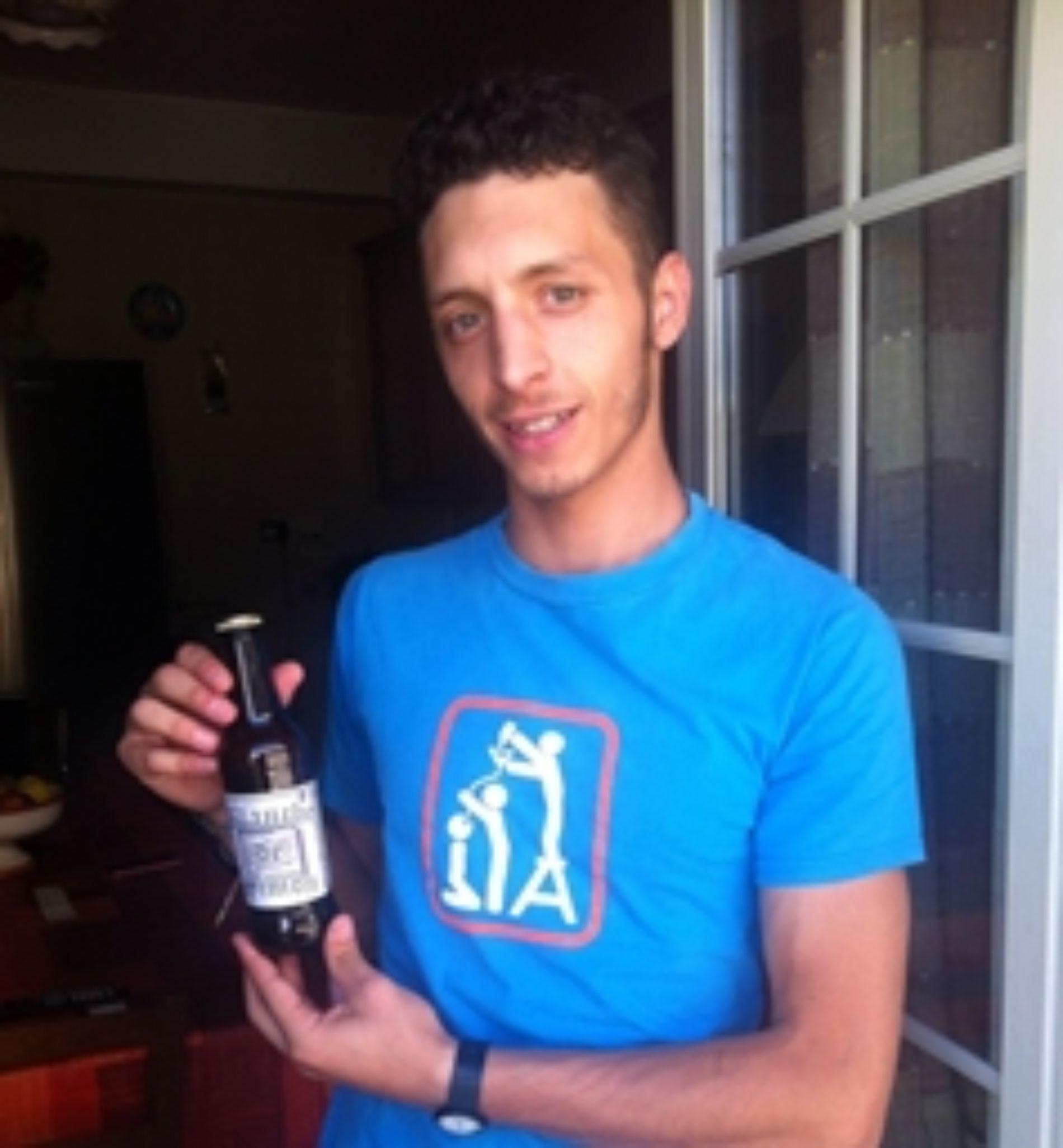 """Simone La Quatra ottiene la maturità """"a tutta birra"""""""