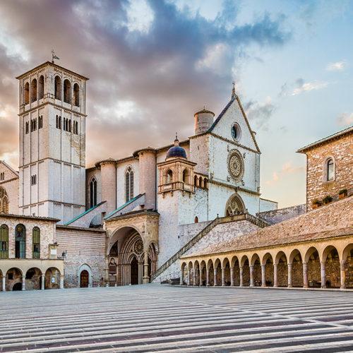 RnS: ritiro spirituale nazionale ad Assisi per sacerdoti, diaconi e religiosi
