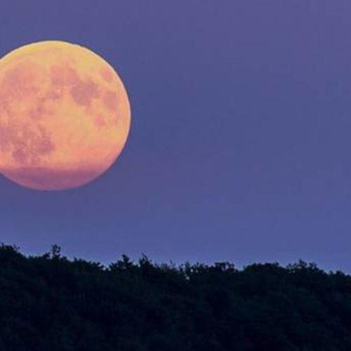 La SUPERLUNA: la luna più grande visibile dalla Terra