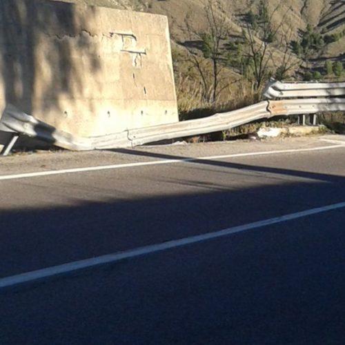 Incidente stradale sulla bretella Pietraperzia – Caltanissetta: un ferito con prognosi riservata