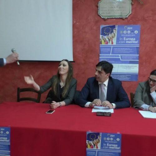Video / Europarlamentare Salvo Pogliese a Barrafranca per presentare un progetto per i giovani laureati