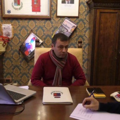 Intervista al sindaco Fabio Accardi sui problemi dei rifiuti, acqua e lavori di viale Generale Cannada