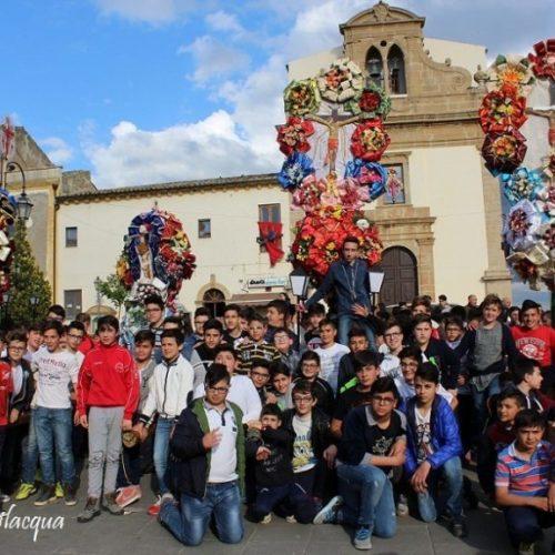 La devozione dei ragazzi nei confronti del SS. Crocifisso- ottava del Venerdì Santo