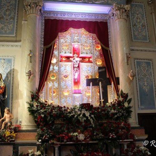 Video / Ottava del Crocifisso Santa Messa, il bacio e la reposizione della Croce