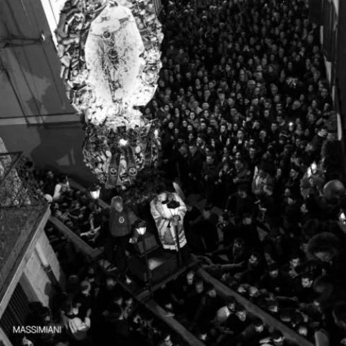 La Settimana Santa barrese vista attraverso gli occhi della fotografa Maria Grazia Massimiani