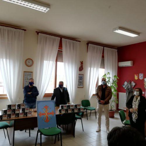Barrafranca. Donazione alla scuola di circa un migliaio di mascherine chirurgiche .