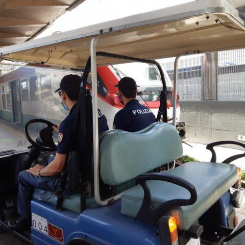 4 denunciati e circa 2.500 persone controllate nelle stazioni ferroviarie della Sicilia