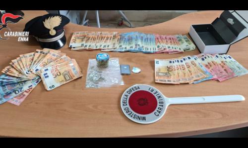 Barrafranca, Piazza Armerina Lotta allo spaccio di sostanze stupefacenti: Un arresto.