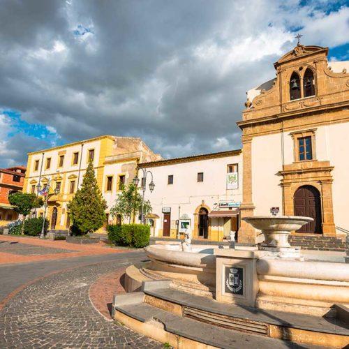 BARRAFRANCA. Zona arancione per Barrafranca e Niscemi.