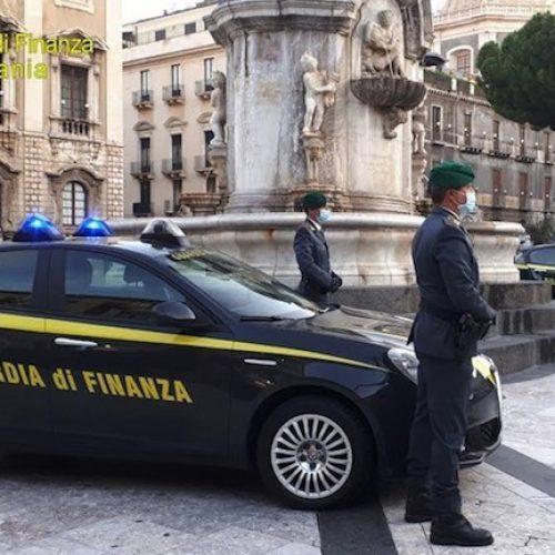CATANIA. GdF Catania: Contrasto all'immigrazione clandestina. tratti in salvo e soccorsi 84 migranti. Arrestati due scafisti.