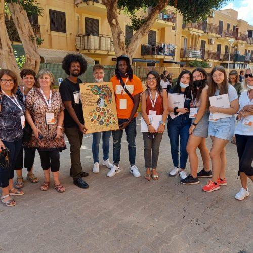 BARRAFRANCA. Gli studenti dell'ISISS Falcone di Barrafranca tra le centinaia di studenti intervenuti a Lampedusa in occasione della Giornata della Memoria e dell'Accoglienza 2021.