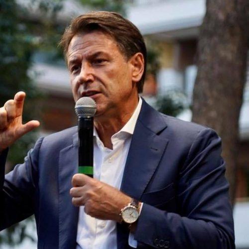 SAN CATALDO. Giuseppe Conte a San Cataldo chiude la campagna elettorale al fianco del candidato sindaco Gioacchino Comparato, venerdì 8 ottobre.